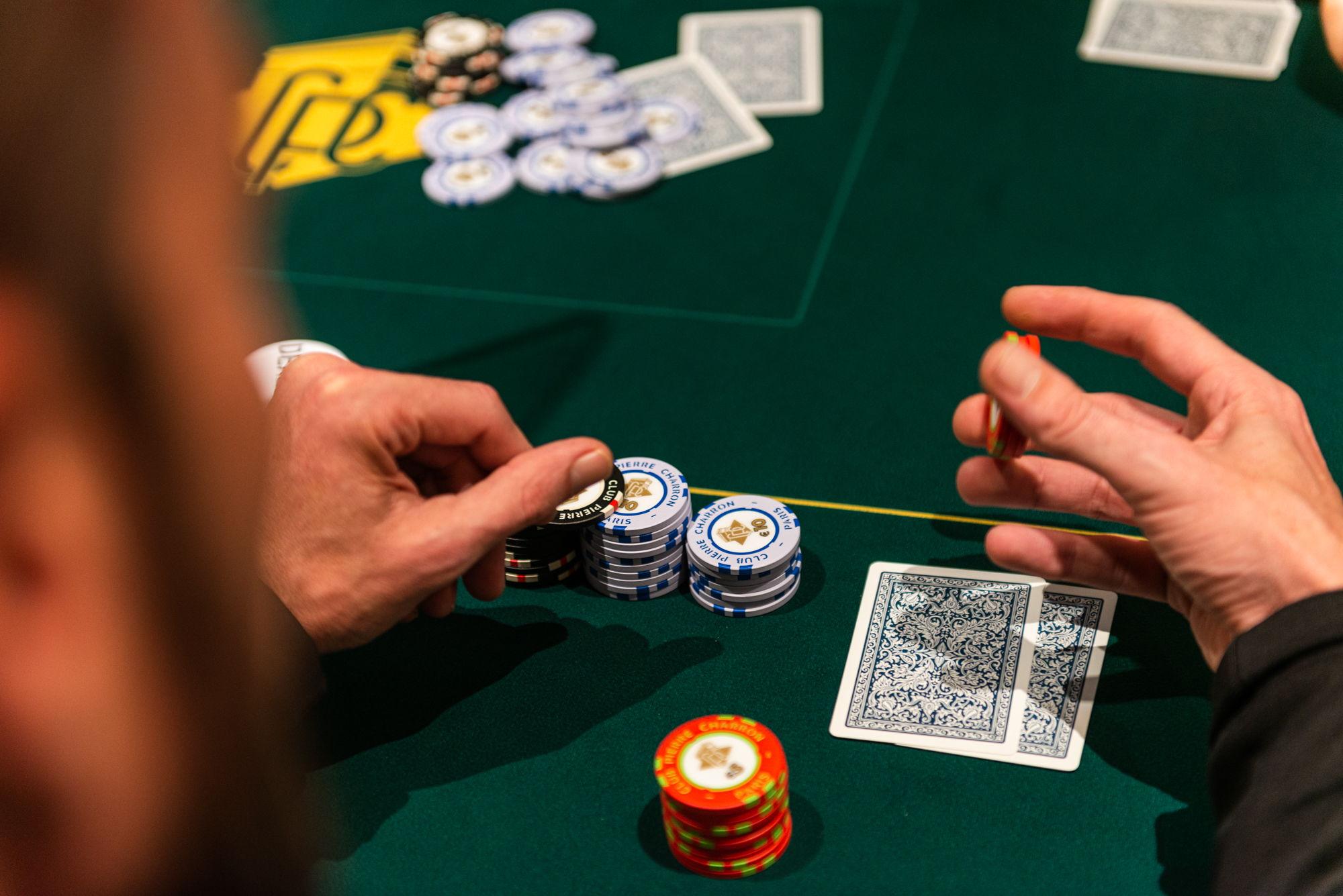 main de poker du Club Pierre Charron